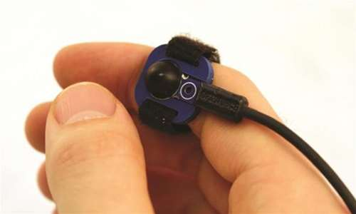 Mobile On-Body Devices Can Be Precisely and Discreetly Controlled Using a Tiny Sensor
