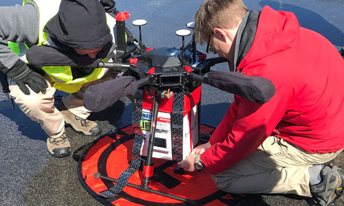 Researchers from the University of Maryland attach a cooler containing a kidney to a drone