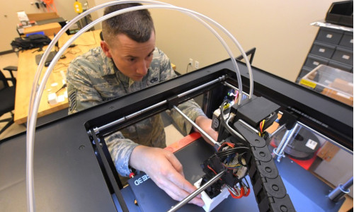 A man 3D printing