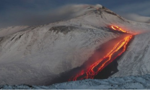 Picture of a volcano