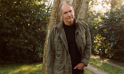 """Tim Berners-Lee, at home in Oxfordshire, U.K., envisions a framework in which personal online data could be stored in a """"pod"""" that one controls"""