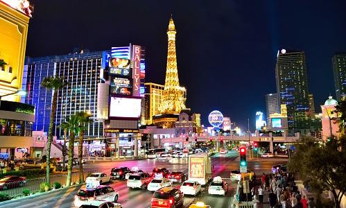 Photo of a Las Vegas street at night